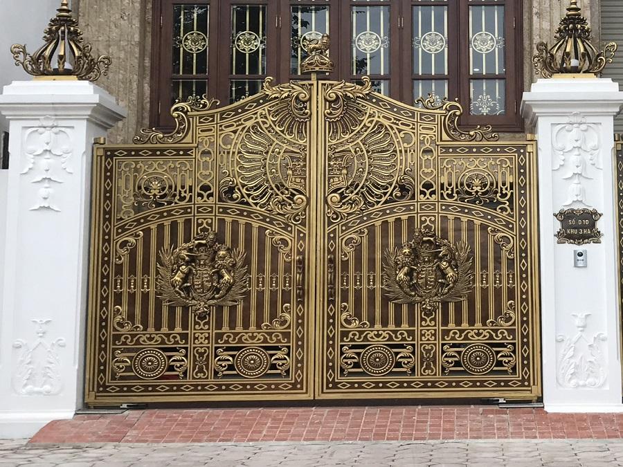 Chất liệu làm cửa cổng tự động