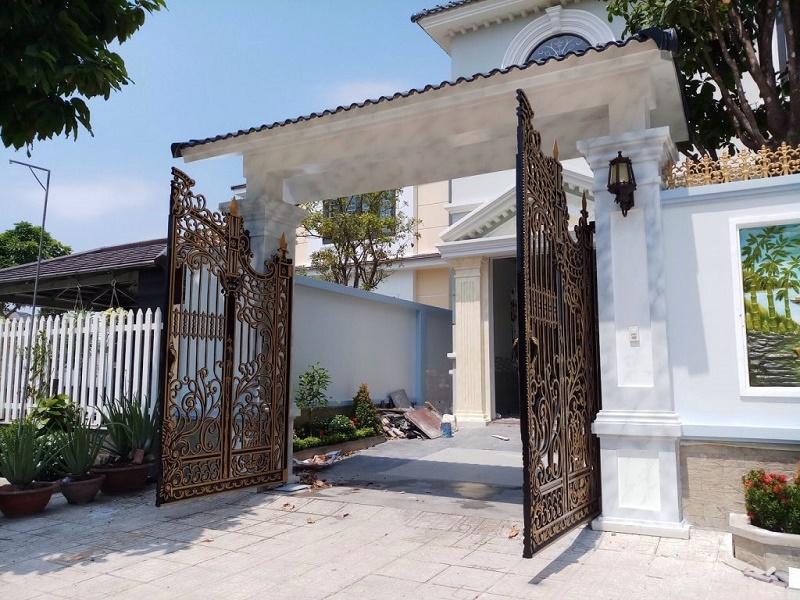 cổng mở âm sàn 2 cánh